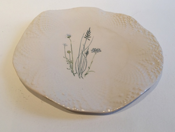<em>Plate with Flowers and Lace pattern</em>